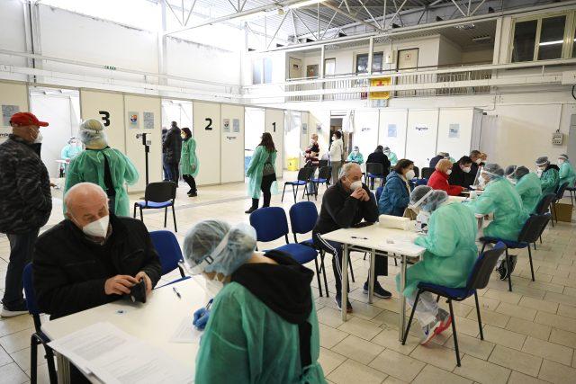 Očkovací centrum v Trenčíně