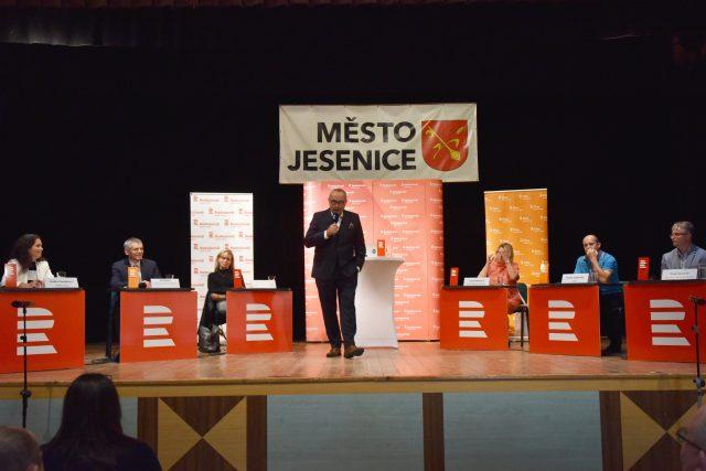 Jan Pokorný s hosty debaty v Jesenici