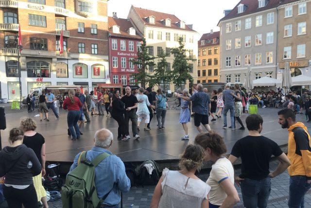 Jazzový taneční festival na kodaňském náměstí Kultorvet