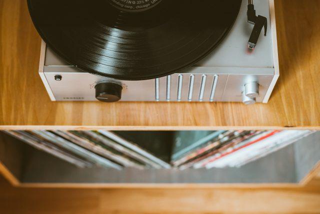 Vinyl je v módě. Rozhoduje kvalita zvuku i fakt,  že jde o luxusní zboží,  myslí si Miroslav Čepický   foto: Fotobanka Unsplash  (5229636)