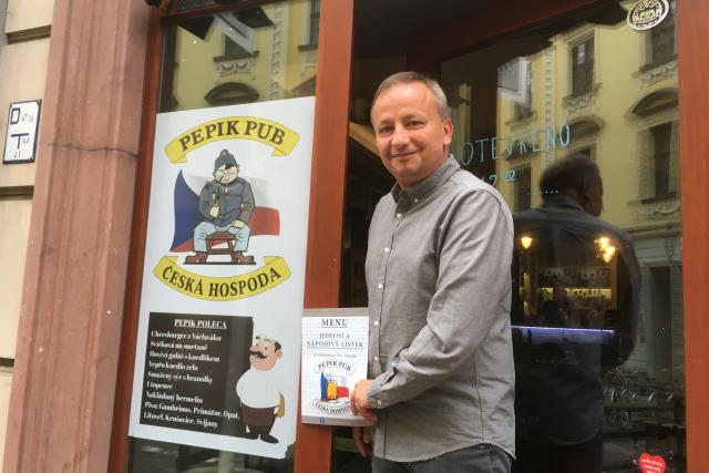 Pepik Pub si před čtyřmi lety otevřel Arkadiusz Pańka