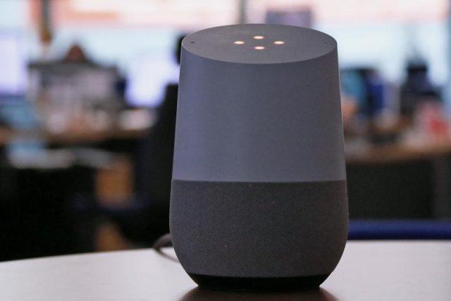 Zprávy Radiožurnálu jsou nově na hlasových asistentech Google Home