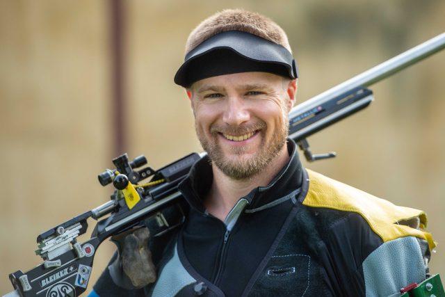 Matthew Emmons má zlato, stříbro i bronz z olympijských her. A možná také titul největší smolař