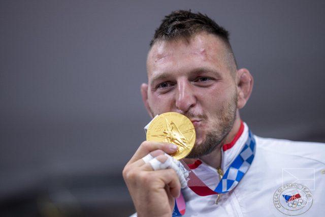 Judista Lukáš Krpálek přidal v Tokiu do sbírky druhou zlatou medaili | foto: Václav Pancer,  Český olympijský výbor