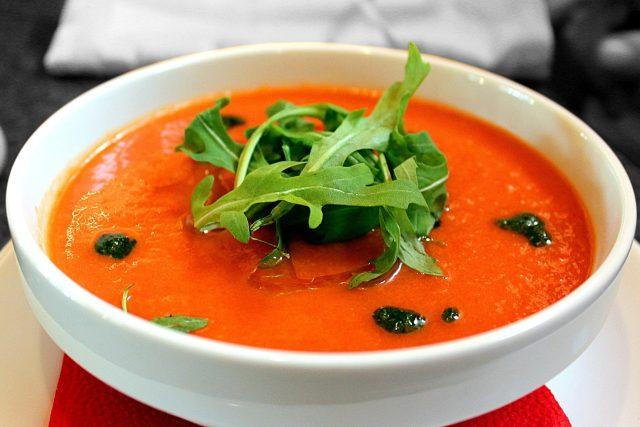 Gazpacho - osvěžující studená zeleninová polévka je oblíbená po celém Španělsku.