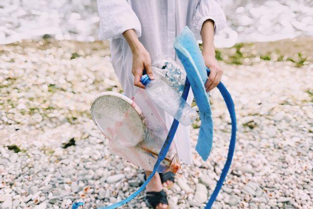 Plastový odpad - plast - znečištění