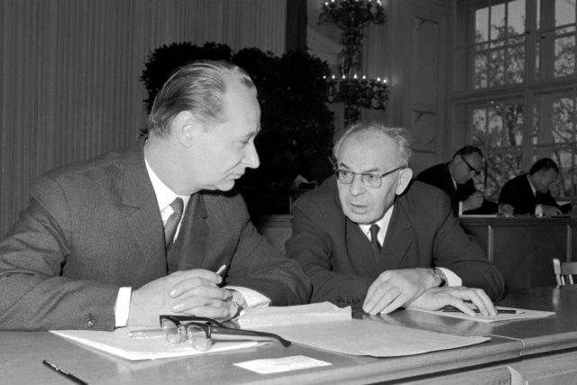 Alexander Dubček a Gustáv Husák v prosinci 1968 | foto: Jiří Rublič, ČTK
