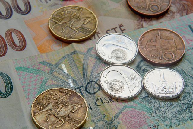 Peníze, bankovky, ekonomika, mince, koruna