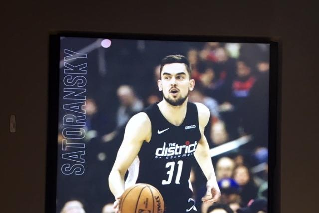 Tomáš Satoranský nastupuje v týmu Washington Wizards s číslem 31