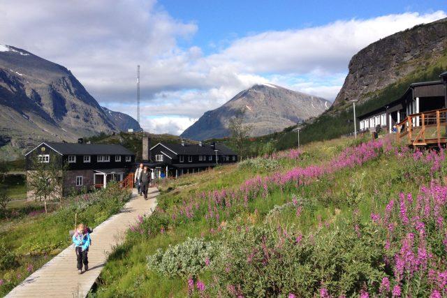 Nejoblíbenější část Kungsledenu je dlouhá něco přes sto kilometrů a s batohem se dá stihnout za pět dní.