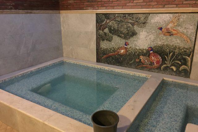 V jedné koupeli je teplá a v druhé studená voda | foto: Martin Dorazín,  Český rozhlas,  Český rozhlas