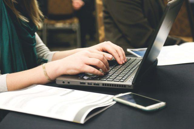 Práce na počítači - psaní