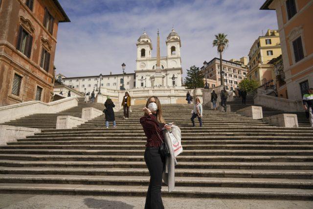 Španělské schody v Římě   foto: Andrew Medichini,  ČTK / AP