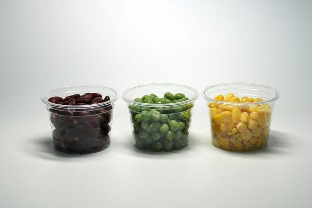 Zelenina v kelímku - plastové obaly