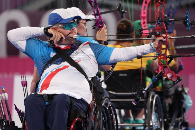 Lukostřelec David Drahonínský na paralympijských hrách v Tokiu | foto: BERNADETT SZABO,  Reuters