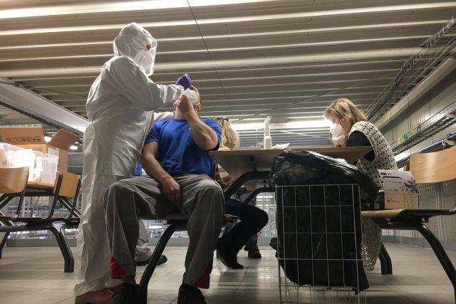 Testování na koronavirus ve firmách