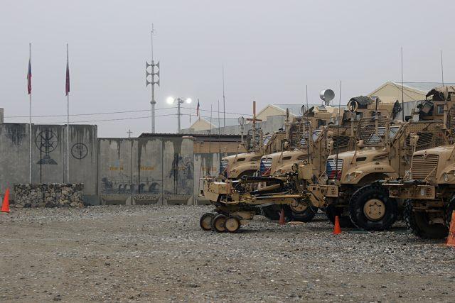 Česká vozidla MRAP (odolná proti výbuchu min) v Afghánistánu