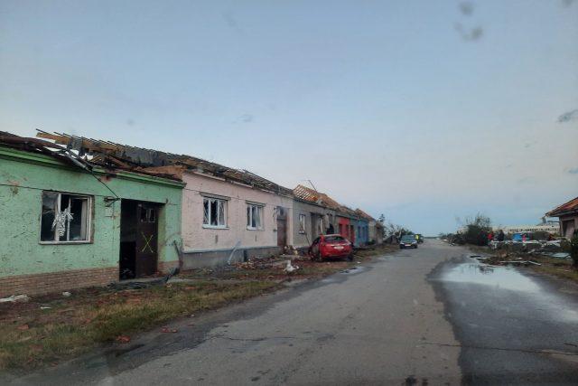 Kromě Moravské Nové Vsi nejvíc zasáhlo ještě nedaleké Hrušky nebo obce Lužice a Mikulčice na Hodonínsku