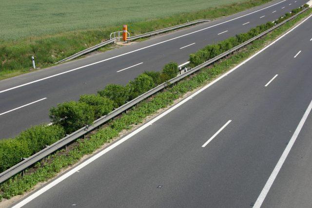 SOS hláska na dálnici D8