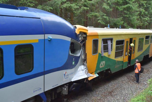 Vlaky při srážce jely kolem 50 kilometrů v hodině