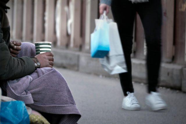 Lidé bez domova jsou všude kolem nás,  říká Arnošt Drozd z Armády spásy | foto: Profimedia