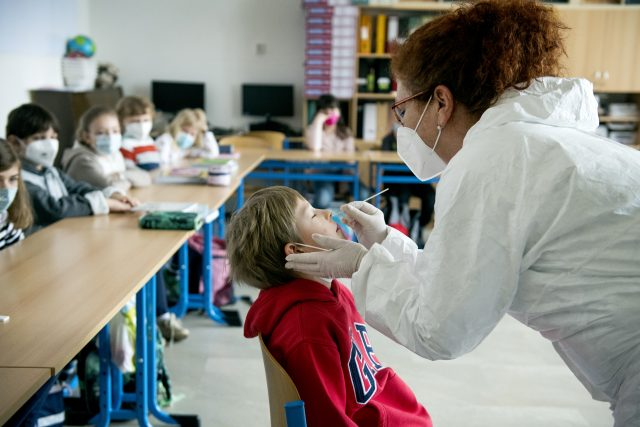 Antigenní testování žáků základní školy