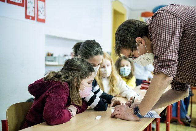 Naši reportéři natáčeli s pedagogy,  kteří v nelehkém covidovém roce obstáli a zůstali svým studentům inspirací  (ilustrační snímek) | foto: Michaela Danelová,  iROZHLAS.cz