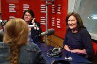 Alžběta Klímová a doktorka Marta Holanová byly hosty Lucie Výborné ve studiu Radiožurnálu