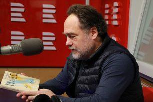 Joachim Dvořák přinesl Lucii Výborné knihu Marka Epsteina