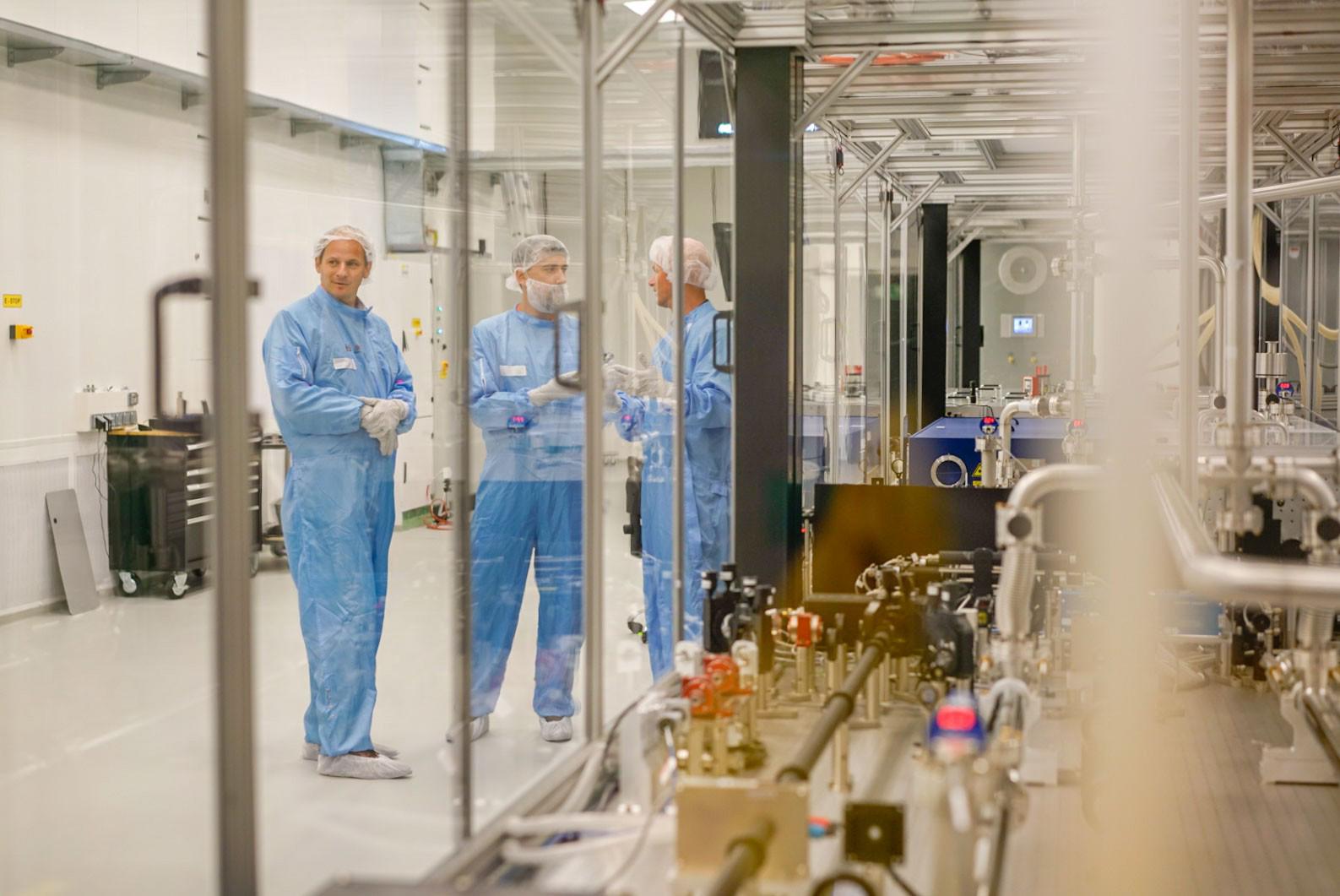 Unikátní zařízení s označením L3 bude od pondělí fungovat v laserovém centru Eli Beamlines.